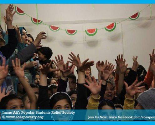 جشن یلدای سال های گذشته است که توسط جمعیت امام علی (برای کودکان محلات آسیب دیده) برگزار شده