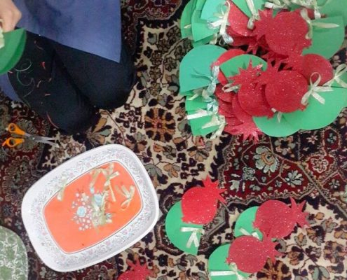 ساخت گیفتهای یلدایی توسط بچههای خانه ایرانی شهریار