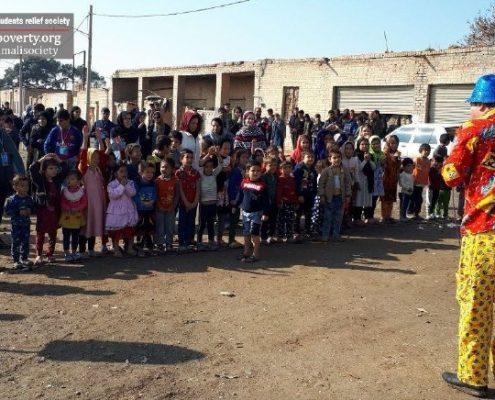 جشن یلدای ۹۷ برای کودکان روستای کبیرآباد شهرری، توسط اعضای داوطلب جمعیت امام علی