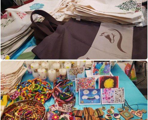 محصولات خانه ایرانی دروازه غار در بازارچه خیریه بوی عیدی